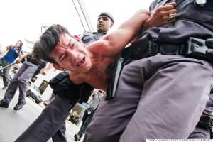 PM confronta com estudantes próximo ao 14ºDP em São Paulo