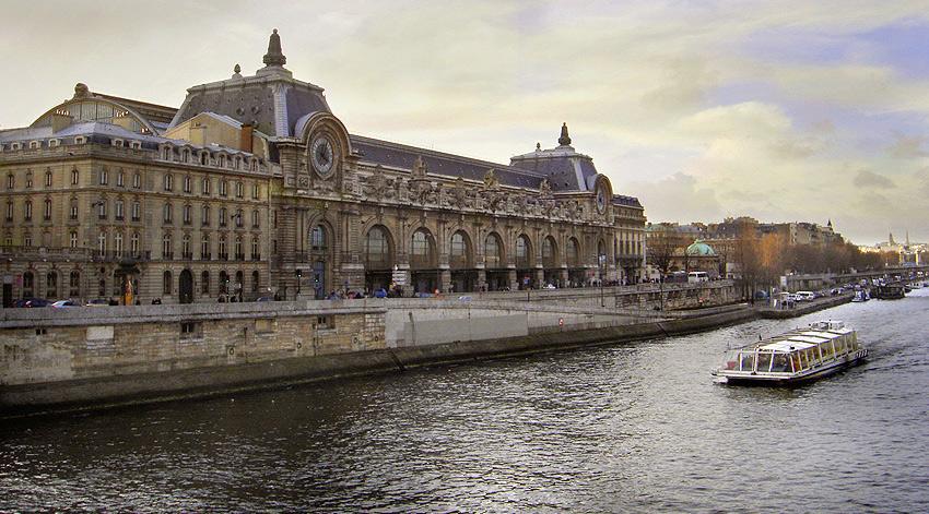 Museu de Orsay, fachada sobre o Sena.